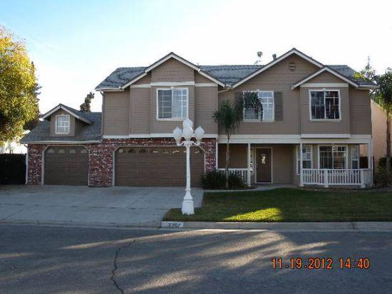 2207 E Kenosha Ave, Fresno, CA 93720