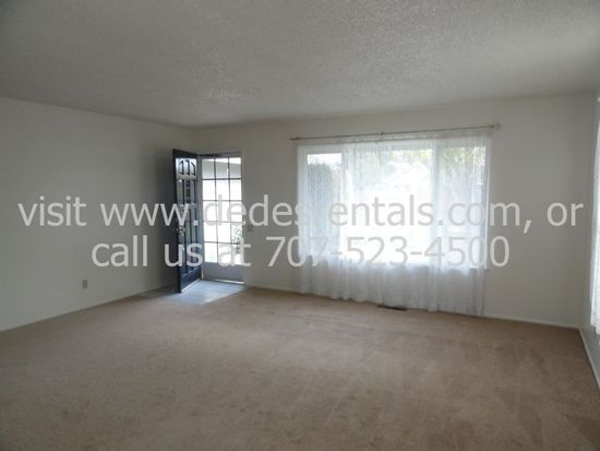 8497 Liman Way, Rohnert Park, CA 94928