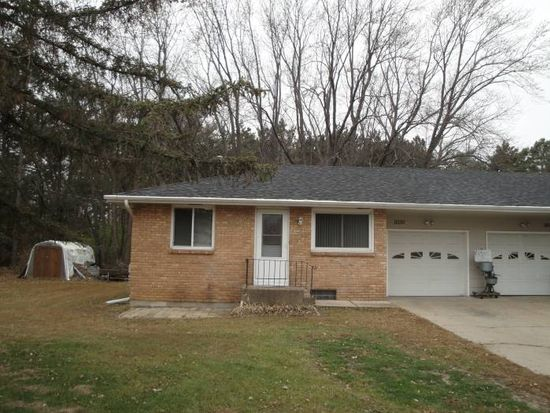 9330 Syndicate Ave, Circle Pines, MN 55014