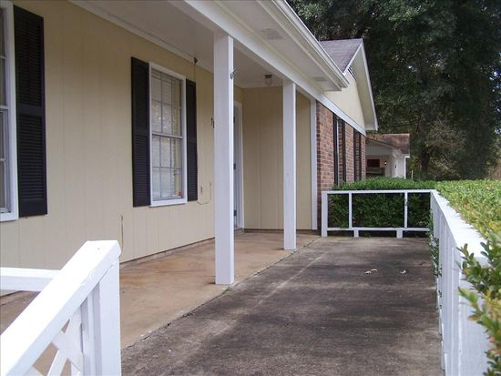 7871 Country Dr, Mobile, AL 36619