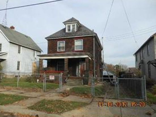 661 S State Line Rd, Sharon, PA 16146
