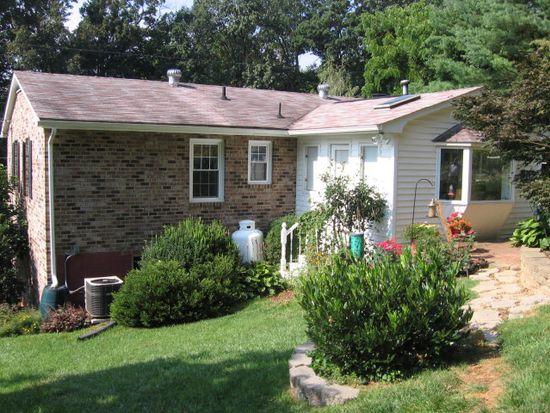 302 Norwood Rd, Staunton, VA 24401
