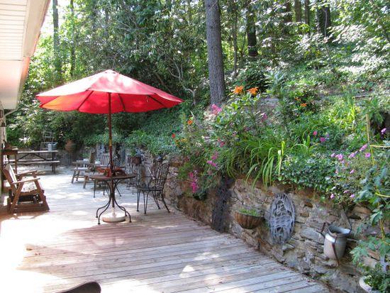 426 English Rd, Spruce Pine, NC 28777