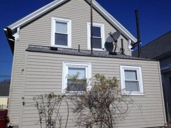 15 Anderson St, Lowell, MA 01852