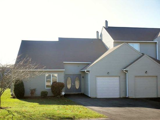 72A Hilltop Dr, North Providence, RI 02904