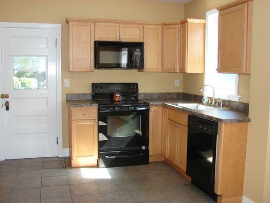 175 Winthrop St, Winthrop, MA 02152