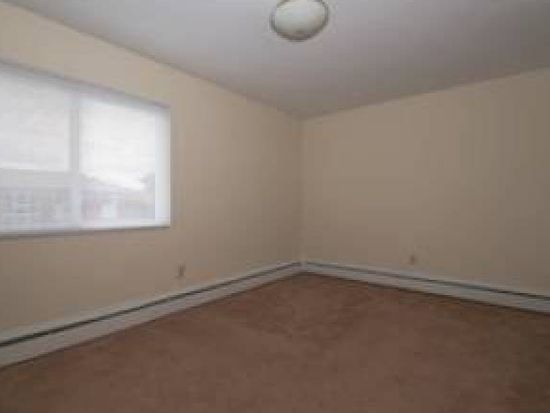 699 Church Ave APT A305, Warwick, RI 02889