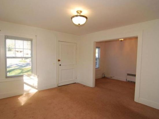 586 Ridgewood Rd, Maplewood, NJ 07040