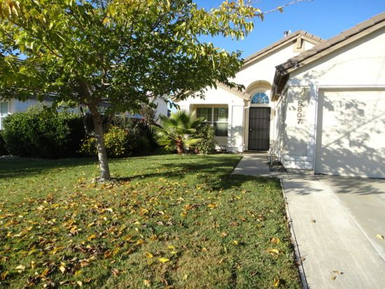 8807 Apricot Woods Way, Elk Grove, CA 95624