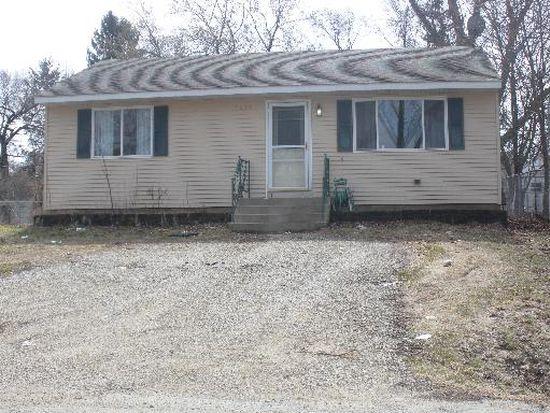 7431 Maple Dr, Wonder Lake, IL 60097