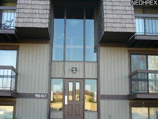 9640 Cove Dr UNIT A30, North Royalton, OH 44133