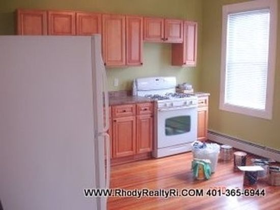 84 Robin St, Providence, RI 02908