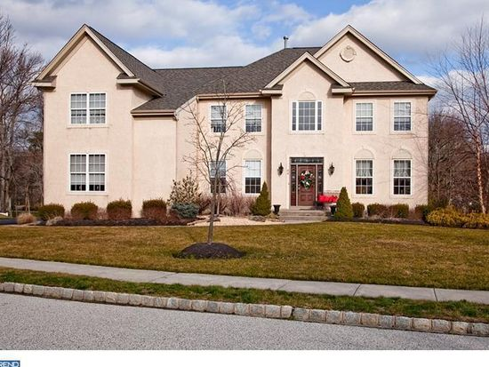 44 Wood View Dr, Mount Laurel, NJ 08054