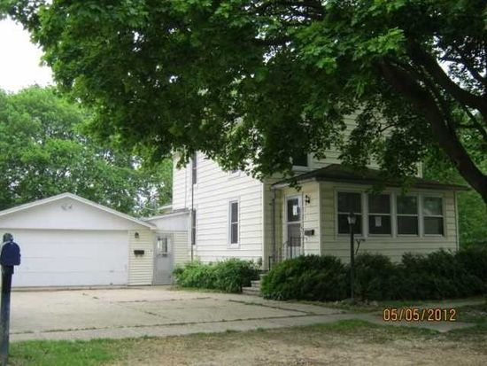 305 S Hickory St, Waterman, IL 60556