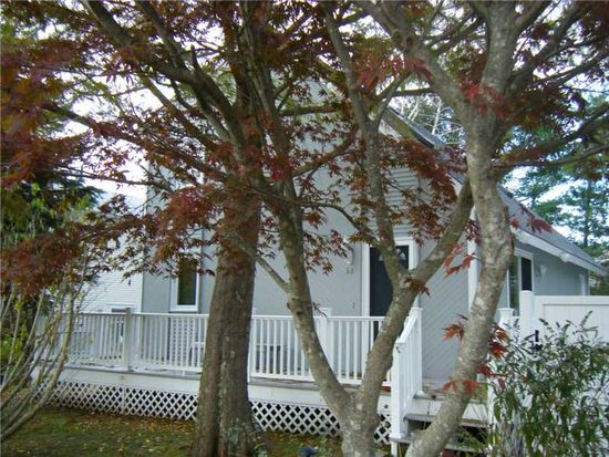 38 Wolfe Rd, Narragansett, RI 02882