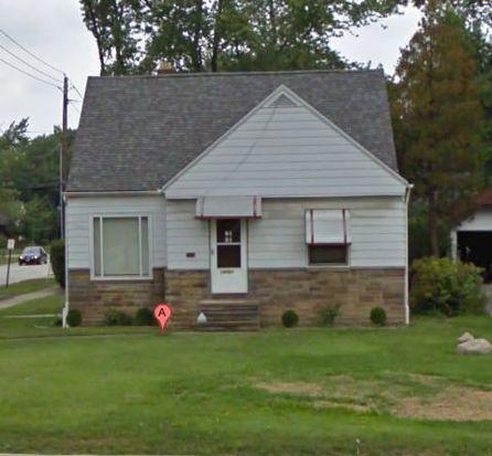 14263 Cedar Rd, Cleveland, OH 44121