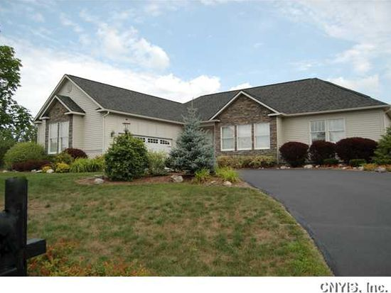 6641 Winslow Dr, Fayetteville, NY 13066