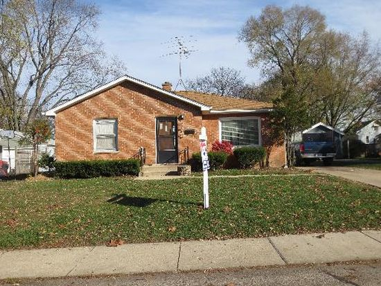 677 Mcclure Ave, Elgin, IL 60123