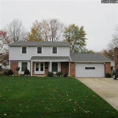 6464 Surrey Dr, North Olmsted, OH 44070