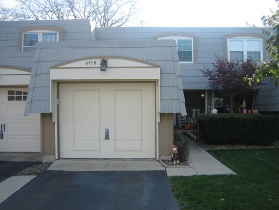 655 Versailles Cir UNIT B, Elk Grove Village, IL 60007