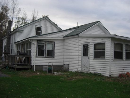 838 Hemmingford Rd, Mooers, NY 12958