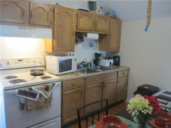 713 Pine St, Central Falls, RI 02863