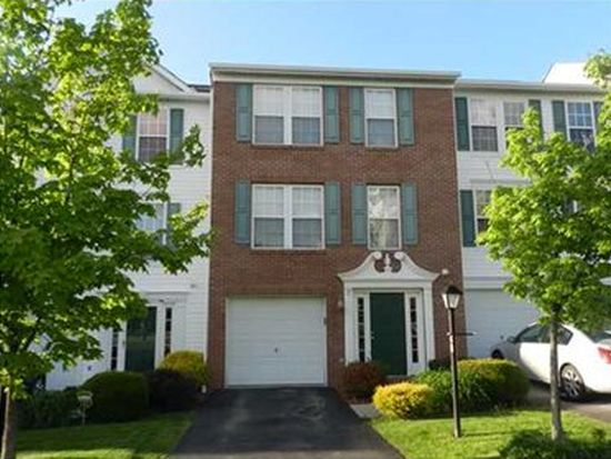 48 Links Dr, New Castle, PA 16101