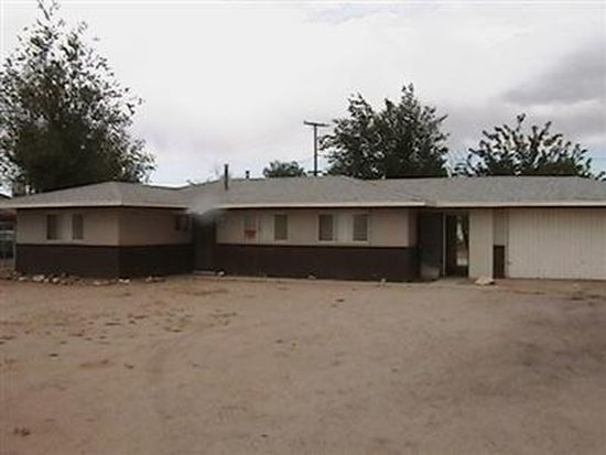 12675 Tonikan Rd, Apple Valley, CA 92308