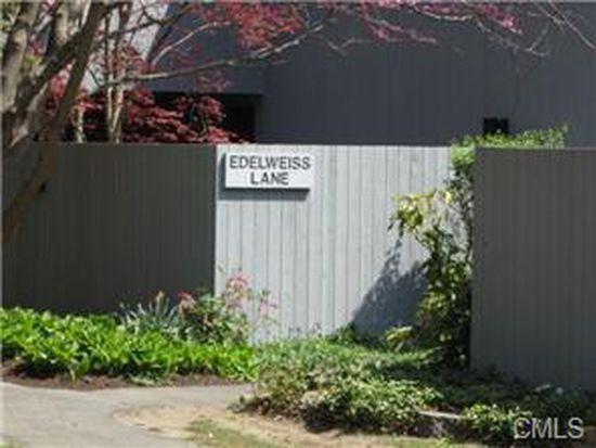3 Edelweiss Ln, Ridgefield, CT 06877