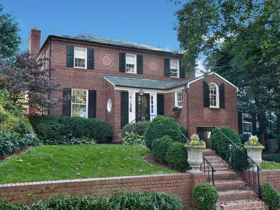 3902 Woodbine St, Chevy Chase, MD 20815