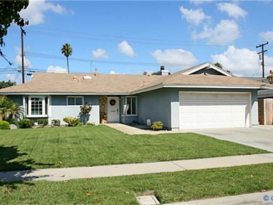 10421 Pago Pago Cir, Huntington Beach, CA 92646