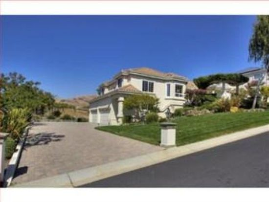 1627 Pebble Beach Ct, Milpitas, CA 95035