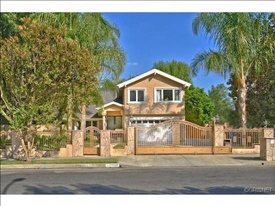 6260 Royer Ave, Woodland Hills, CA 91367