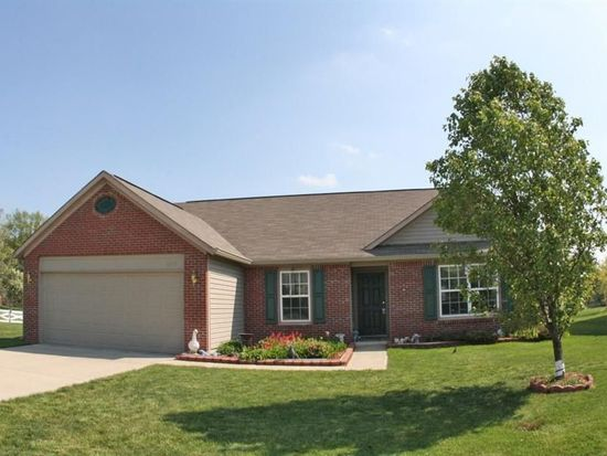 6935 Merryhill Dr, Indianapolis, IN 46237