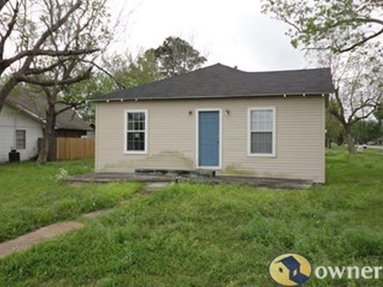 3649 Taft Ave, Groves, TX 77619