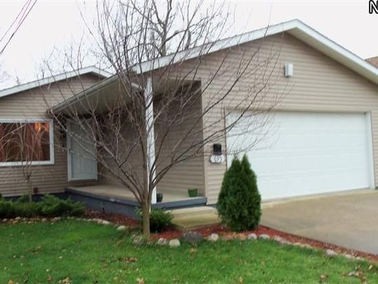 695 Plainfield Rd, Akron, OH 44312
