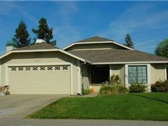 609 Crystal Springs Dr, Woodland, CA 95776
