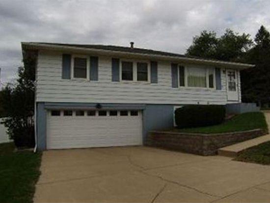 55 Park Village Ave SW, Cedar Rapids, IA 52404