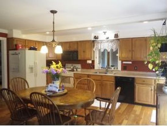 36 Concord Hill Dr, Keene, NH 03431