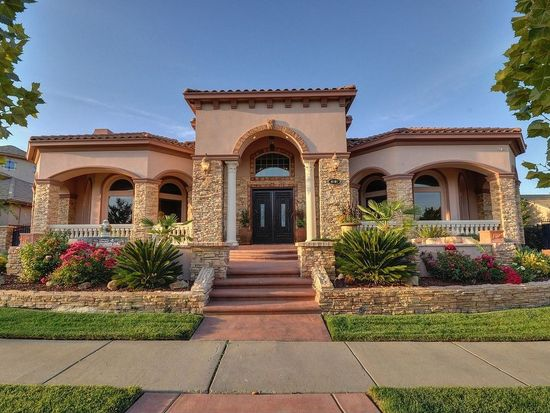 4601 Waterstone Dr, Roseville, CA 95747
