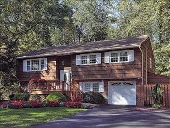 455 S Pascack Rd, Spring Valley, NY 10977