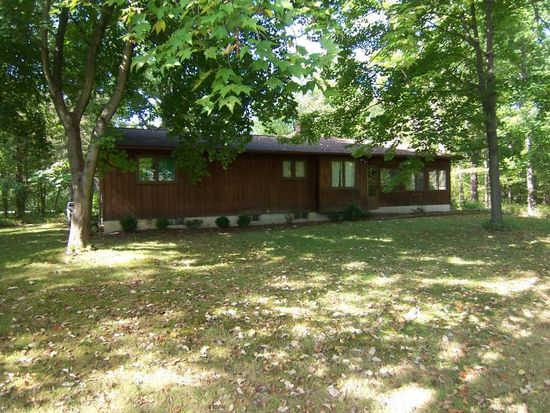 600 Oriole Dr, Roaming Shores, OH 44084
