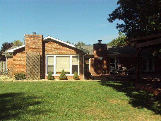102 Forestview Dr, Beckley, WV 25801