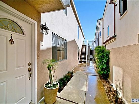 602 Avocado Ave APT B, Corona Del Mar, CA 92625