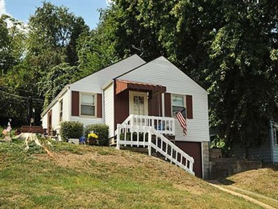 2666 Winchester Dr, Pittsburgh, PA 15220