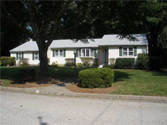 148 Lantern Ln E, North Kingstown, RI 02852