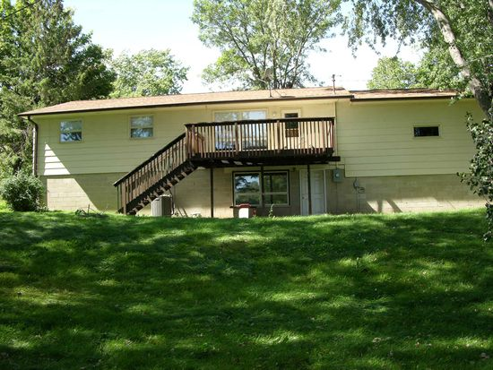 407 3rd Ave SE, Pine Island, MN 55963