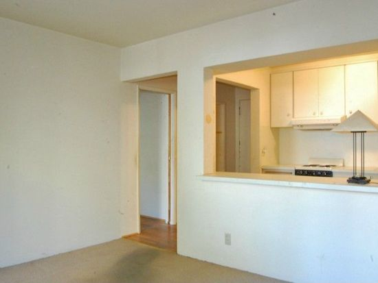 7 Harrison St APT 19, Seattle, WA 98109