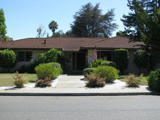 19921 Winter Ln, Saratoga, CA 95070