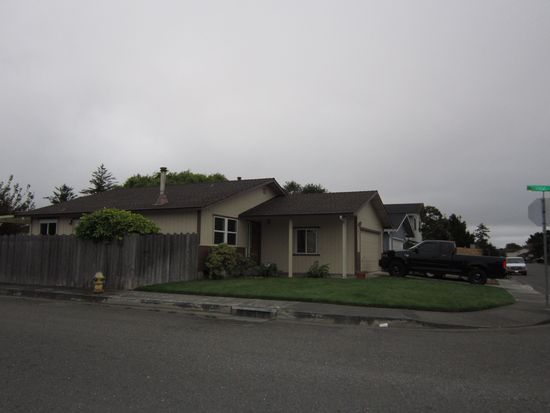3055 Little Pond St, Mckinleyville, CA 95519